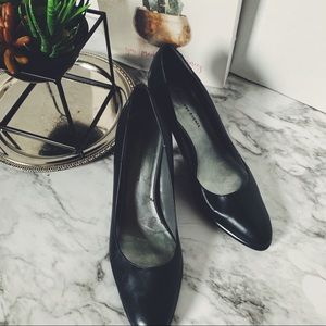 Etienne Aigner Size 8.5 Black pumps